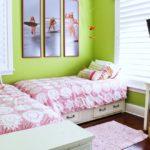 Модульные картины в интерьере детской комнаты девочки