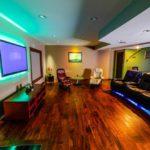 LED-подсветка в интерьере гостиной