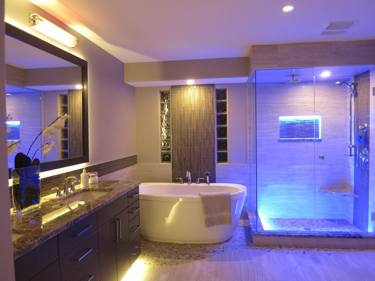 Светодиодная подсветка в интерьере ванной комнаты