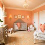 Стены персикового цвета в интерьере детской