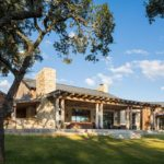 Большой дом в стиле ранчо