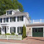 Красивый дом в колониальном стиле