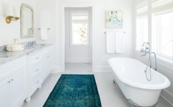Белый цвет в интерьере ванной - фото