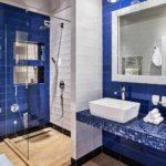 Синий цвет в интерьере ванной комнаты
