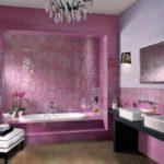 Сиреневый цвет в интерьере ванной - фото