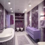 Фиолетовый цвет в интерьере ванной комнаты - фото