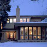 Дом в стиле Райта с панорамным остеклением