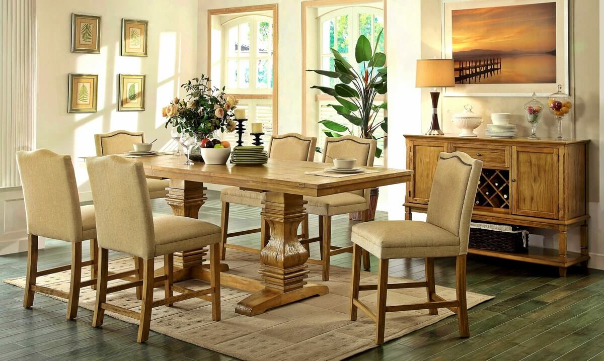 Резная мебель в интерьере столовой