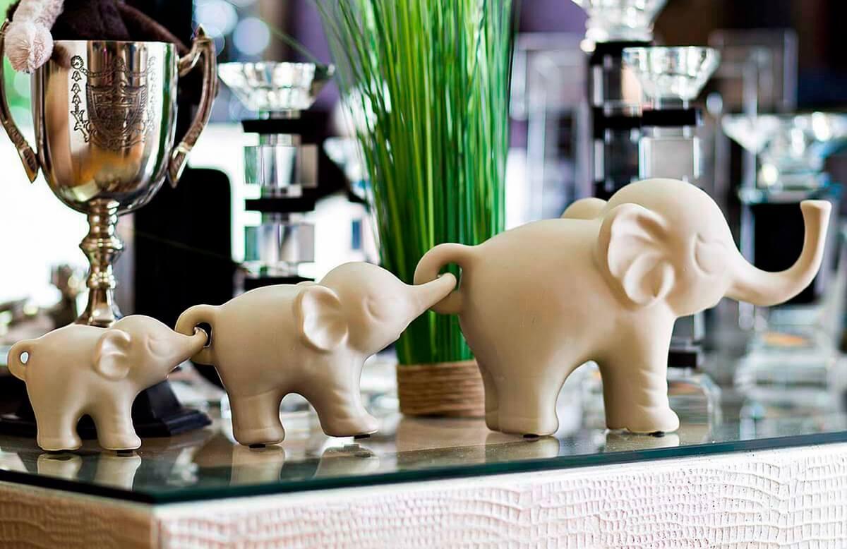 Статуэтки в виде слоников