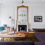 Современная гостиная комната в парижском стиле