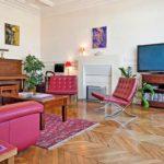 Уютная гостиная в парижском стиле