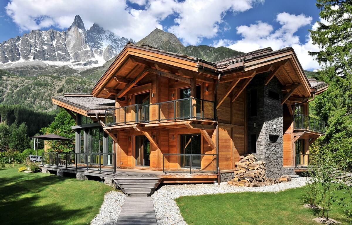 загородный дом в стиле шале фото помощью накладной челки