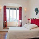 Интерьер спальни в парижском стиле - фото