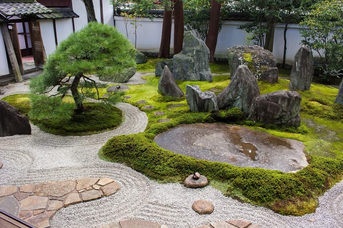 Выбор камней для японского сада