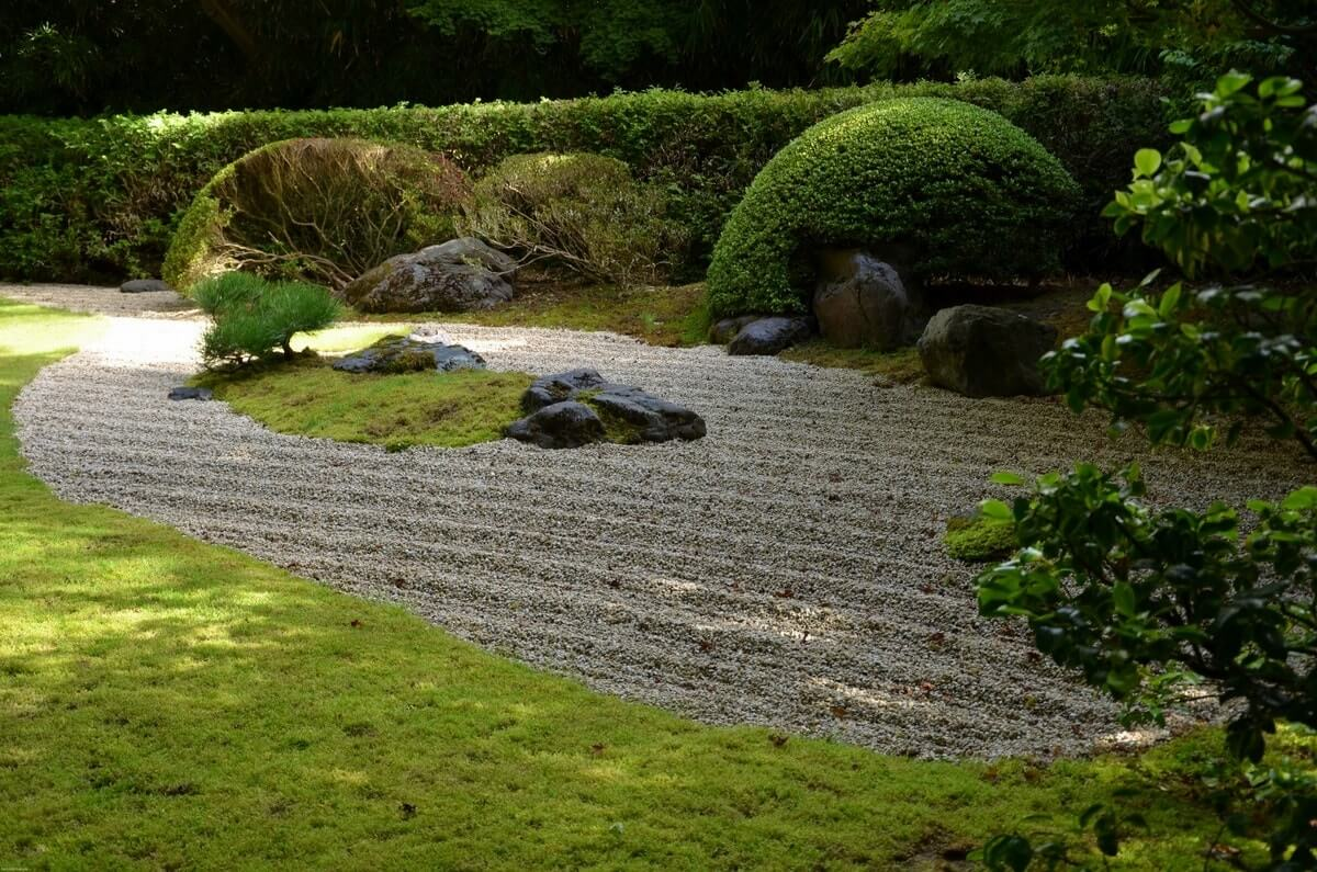 Живая изгородь в японском саду
