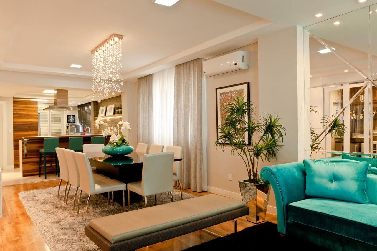 Отделка зеркалами в дизайне гостиной