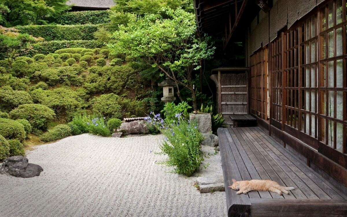 Японский сад у дома