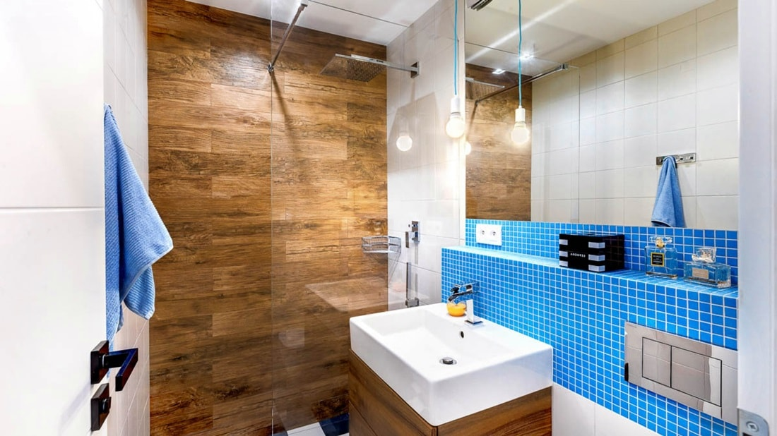 Акцентная стена в дизайне ванной комнаты