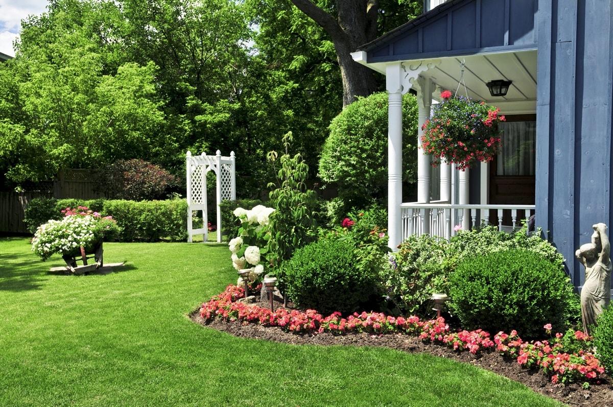 Сад в колониальном стиле
