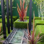 Малые архитектурные формы в саду хай-тек