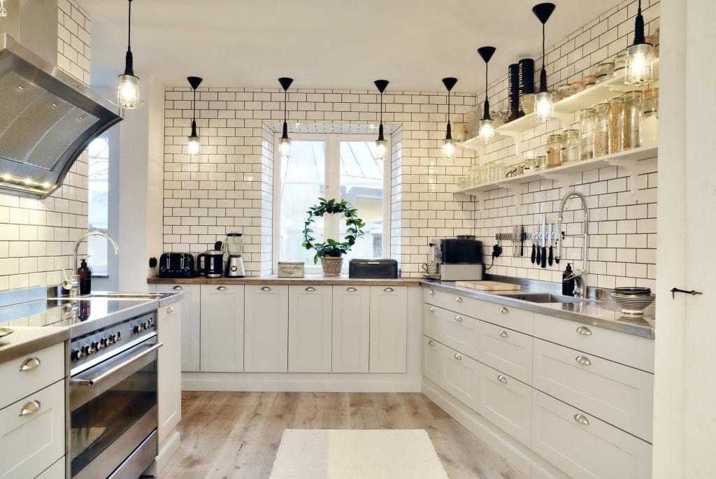 Освещение в интерьере кухни по-скандинавски