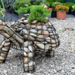 Садовые скульптуры из габионов