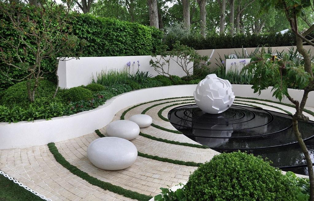 Садовый декор в стиле хай-тек