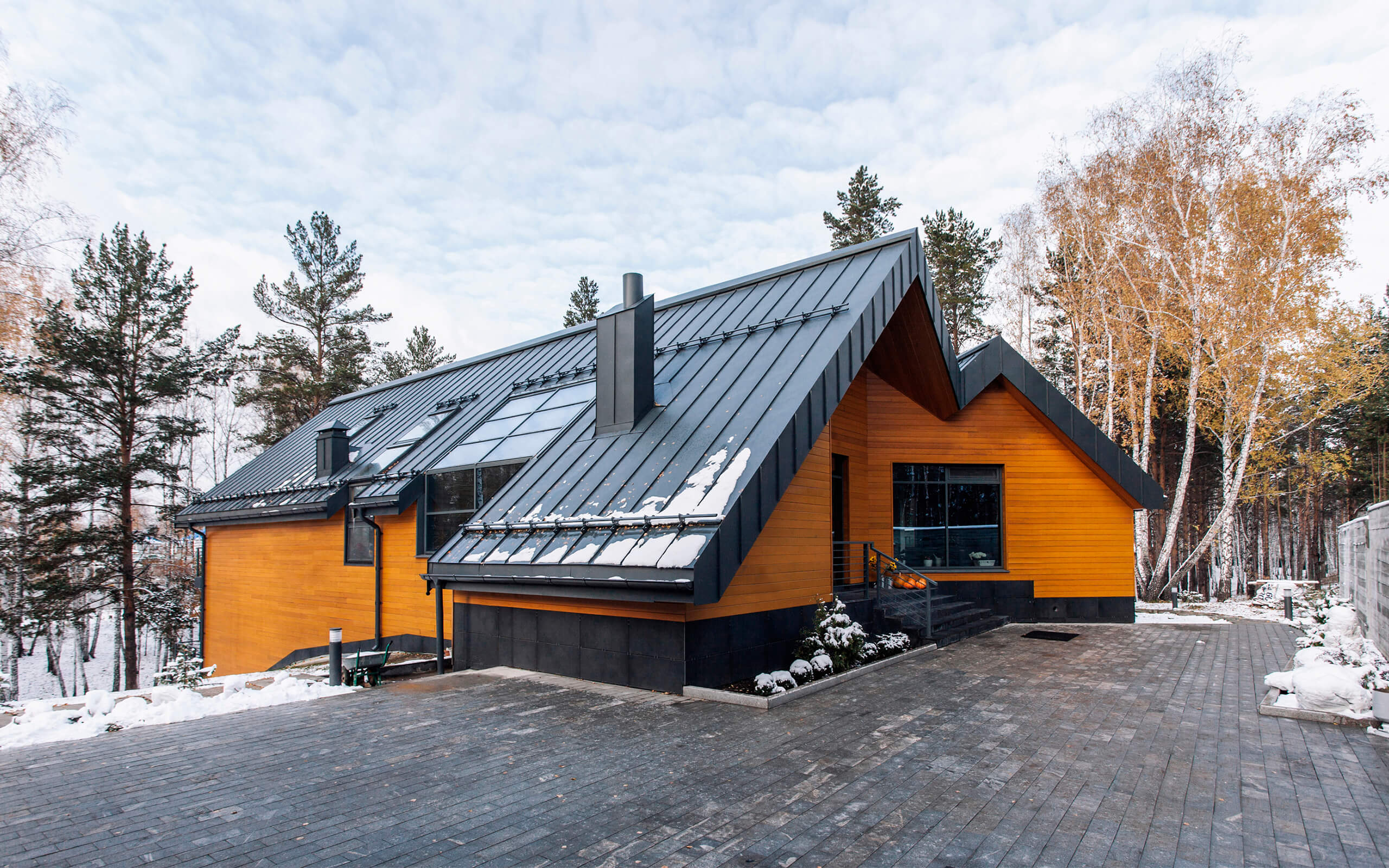 Большой загородный дом в скандинавском стиле - фото