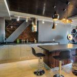 Двухуровневый потолок для кухни в стиле лофт