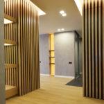 Декоративные рейки на стене в интерьере - фото (29)