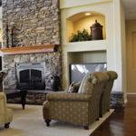 Декоративный камень в интерьере гостиной - фото (3)