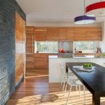Декоративный камень в интерьере кухни и столовой - фото (9)