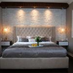 Декоративный камень в интерьере спальни - фото (6)