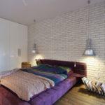 Декоративный камень в интерьере спальни - фото (8)
