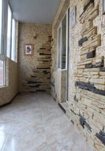 Декоративный камень на лоджии - фото (3)