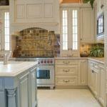 Дизайн кухни в стиле прованс - фото (32)