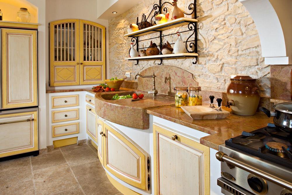 Мойка на кухне в стиле прованс
