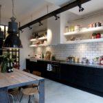 Подсветка рабочей зоны лампами-спотами для кухни в стиле лофт