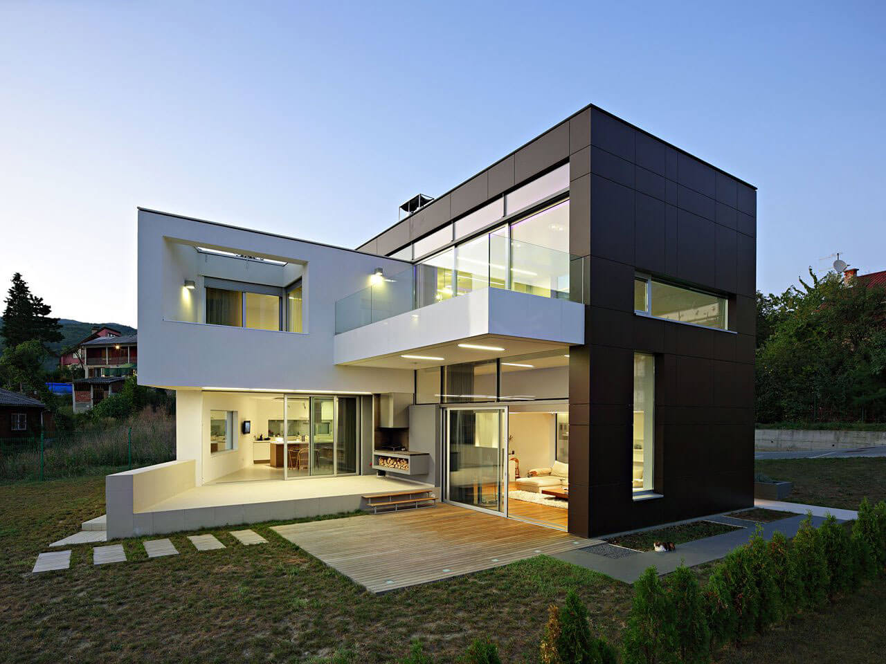 Дом в стиле хай-тек - фото