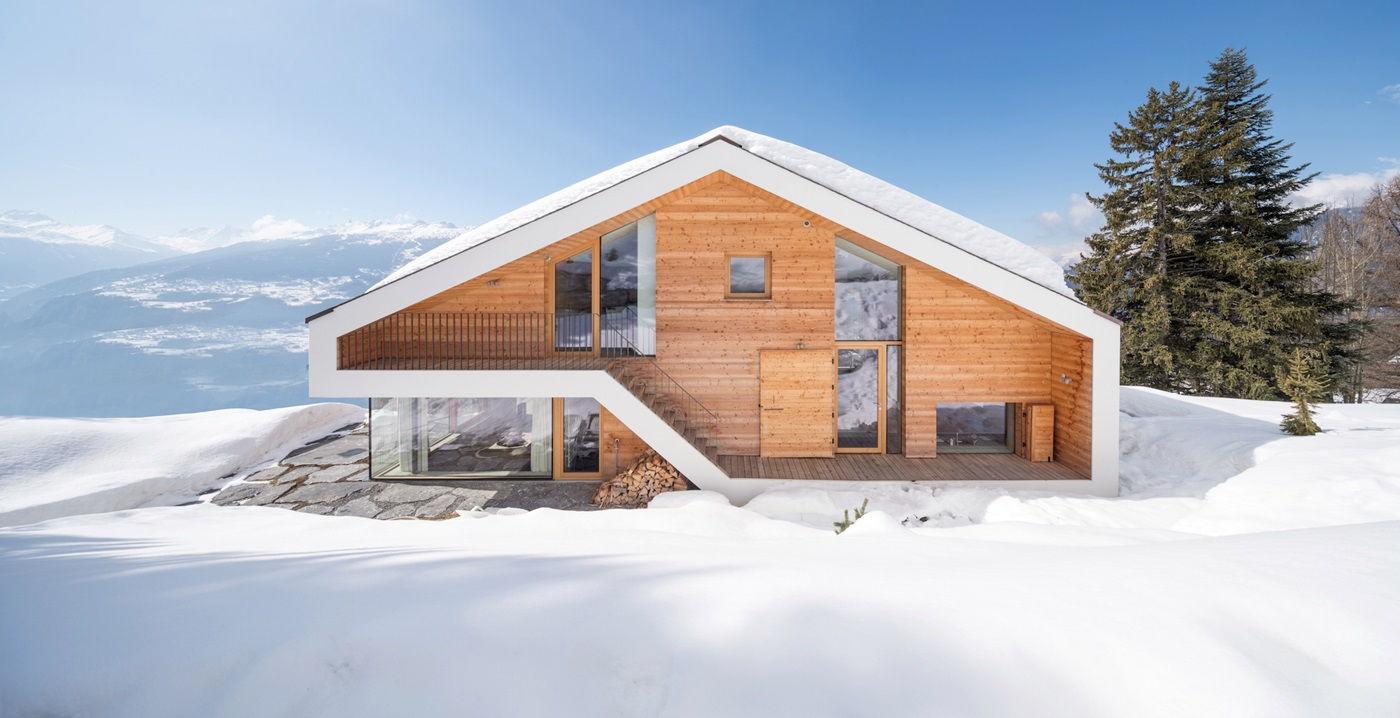 Дом в скандинавском стиле с двухскатной крышей