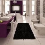 Ковер в интерьере ванной комнаты - фото (4)
