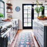 Ковер в интерьере кухни - фото (7)