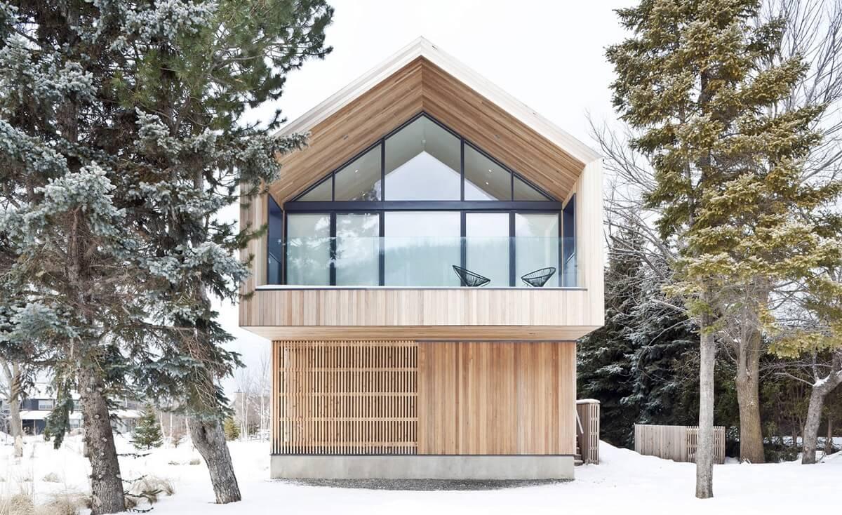 Окна дома в скандинавском стиле