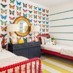 Бумажные обои в интерьере детской комнаты (4)