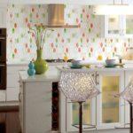 Бумажные обои в интерьере кухни (2)