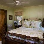 Дизайн спальни в стиле кантри (22)