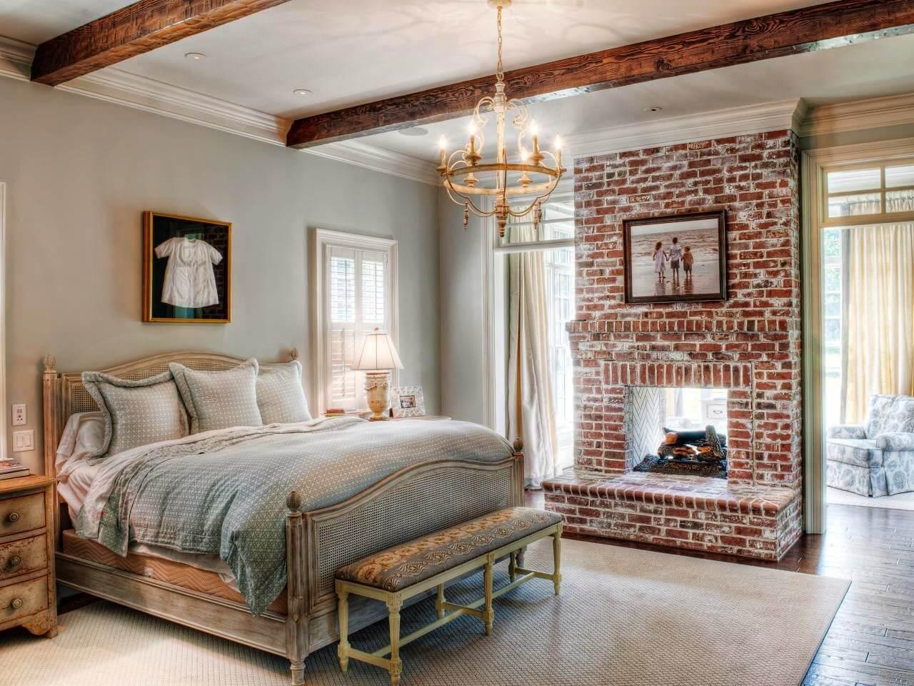 Отделка стен спальни в стиле кантри