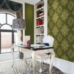 Текстильные обои в интерьере кабинета