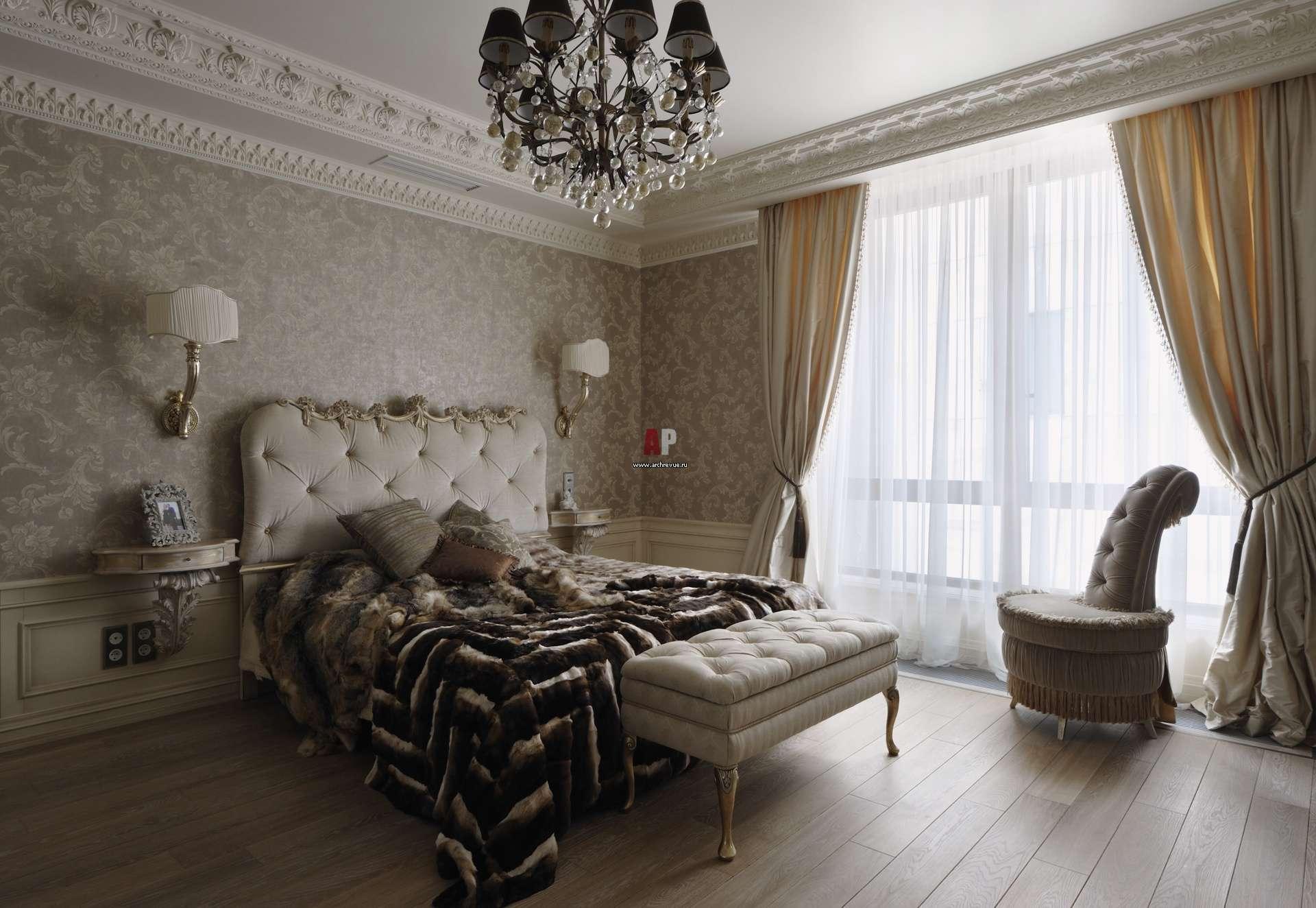 Текстильные обои в интерьере в классическом стиле
