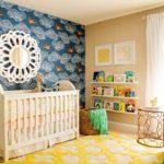 Акцентная стена в интерьере детской комнаты - фото